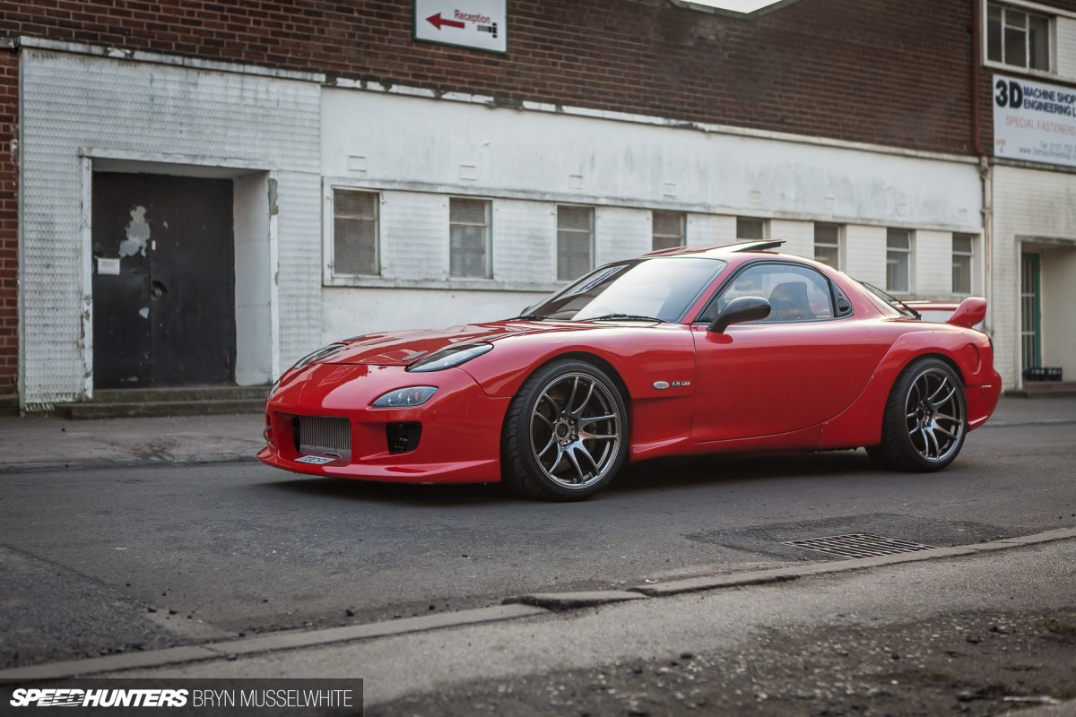 Dynotorque-UK-Mazda-RX7-LS3-twin-turbo-44-of-76-1200x800